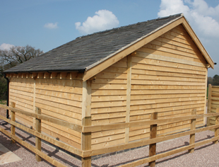 Carvalo Oak Framed Stables